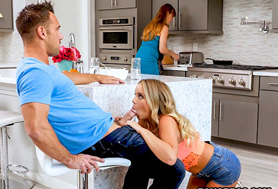 alexis-adams-fucks-her-bf-raw-bangbros