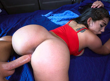 bangbros-money-brings-out-the-big-tits-and-ass-bangbus-julz-gotti-pornstar-xxx-online-sex-video
