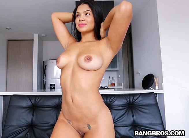 Gina Wild Porn Pics