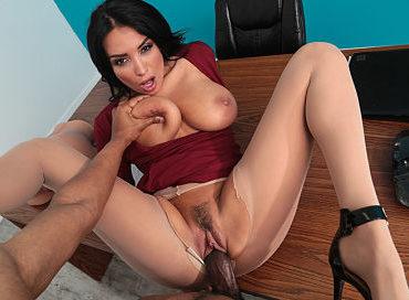 brazzers-anissa-kate-fucked-in-front-of-class-video-pornstar-premium-xxx-online