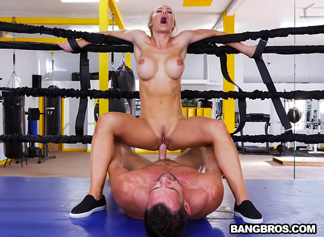 Kendra Lust Fucked Hard In Gym