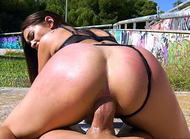 bangbros-having-anal-in-public-with-ginebra-public-bang-ginebra-bellucci-pornstar-xxx-online-sex-video