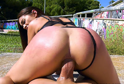having-anal-in-public-with-ginebra-bangbros