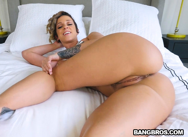 Hot milf loves anal creampies 1