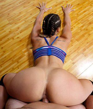 bangbros-kelsi-twerks-on-a-cock-assparade-kelsi-monroe-pornstar-xxx-online-sex-video
